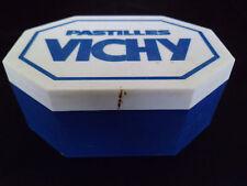Vichy ! Pastilles Vichy ! Boite grand format en plastique bleu et blanc !