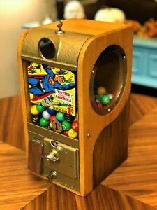 1950's Victor Grandad 1 Cent Justice League Super Friends Gumball Gum Machine