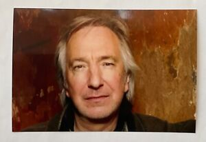 ALAN RICKMAN (Harry Potter) Handsigned Signature on back of Photograph 6 x 4.
