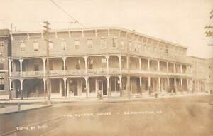 BENNINGTON, VT ~ PUTNAM HOUSE HOTEL & STREET VIEW, REAL PHOTO PC ~ 1907-20