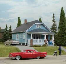 Walthers Cornerstone HO Scale Building/Structure Kit American Bungalow House