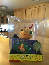 A Callaway & Kirk 1995 Collectible Book and Soft Toy Set