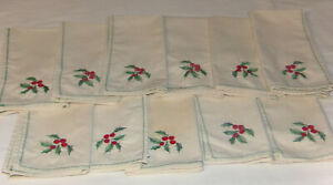Christmas Dinner Napkins 15 x 15 Holiday Table Napkins Decor Beige w Red & Green