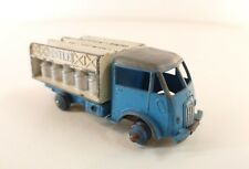 Dinky Toys F n° 25O camion laitier Ford Nestlé