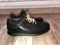 jolies baskets chaussures cuir noir CAMPER pointure 39 excellent état