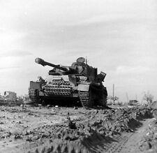 WWII Photo German Pzkpfw. IV Knocked Out Italy 1944  WW2 B&W World War Two/ 4123