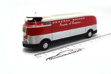 #87265 - Bos GM Futurliner-rouge/blanc-Gm Parade of Progress - 1953 - 1:87