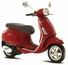 Vespa Primavera 150 Red, Maisto Roller Model 1:12