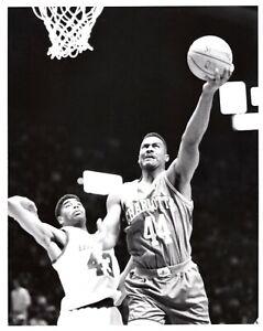 KENNY GATTISON Charlotte Hornets Basketball NBA 8x10 Photo 1992 Richard Gentile