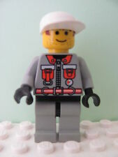 LEGO Minifig fire004 @@ Fire - City Center 5, White Cap, Brown Sideburns 6478