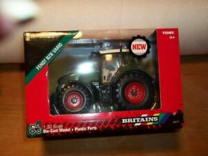 BRITAINS  43177 FENDT 828 VARIO  TRACTOR    NEW BOXED