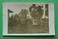 Foto AK Karpaten Rumänien 1916 Dorf Bewohner Tracht Soldaten Frauen 1.WK WWI