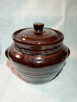 Vintage Marcrest Stoneware Oven Proof Bean pot with lid.Daisies Dots USA