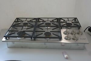 """Dacor Professional 36"""" Built-In Gas Cooktop 5 burners SimmerSear™ HDCT365GS/NG"""