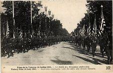 CPA Militaire,  La Defile des Drapeaux Americains (278528)