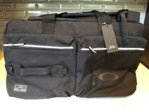 OAKLEY MILITARY BIG DUFFLE BAG BLACK OUT BRAND NEW