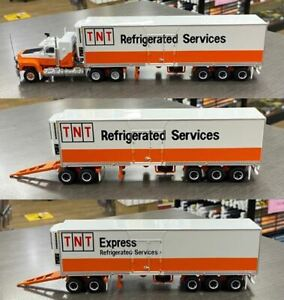 HIGHWAY REPLICAS MACK TNT EXPRESS REFRIGERATED ROAD TRAIN 1:64 SCALE MODEL TRUCK