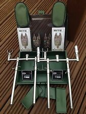 CARP FISHING STAINLESS GOAL POST BUZZ BAR SET UP COMPLETE IN STORAGE TACKLE BOX