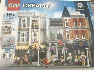 LEGO 10255 ASSEMBLY SQUARE ALL 5 & 6 BAGS UNOPENED WITH MANUAL PARTIALLY USED
