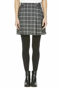 Checked Kilt skirt flat waistband zip detailing at the hip  Size UK 6