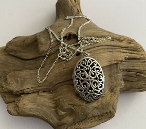 Vintage 925 Silver Openwork Front Opening Locket Pendant & 20 Inch Chain 12.1g