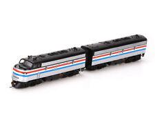 Mehrfarbige Personenwagen für Spur N Modelleisenbahn