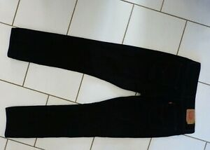 Levis 501 noir W34L34 ou T44 fr (neuf)