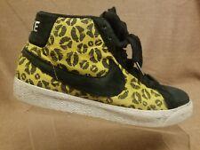Nike 314070-711 Blazer Premium SB Kisses Men Yellow Black Sneakers Shoes Sz 10.5