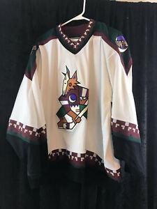 vintage CCM Phoenix Coyotes White Kachina Jersey XL