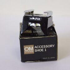 Olympus Hot Shoe 1 (Fix) per Olympus M-1 OM 1 OM 2 M1 camera, in scatola