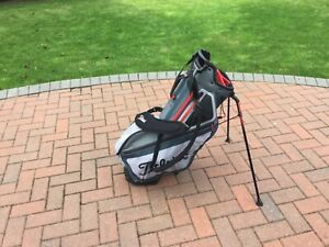 Titleist Dual Strap With Stand Carry Golf Bag