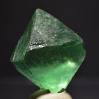 OCTAHEDRON OF TRANSPARENT AND GREEN FLUORITE FROM CHINA