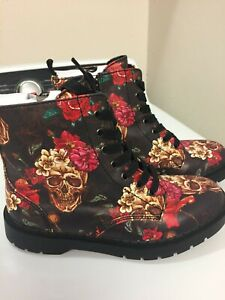 NWOB TUK Black Skull & Roses Women's Size 8 Boots