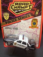 Road Champs 1:43 scale diecast 1997 Ford Topeka Police