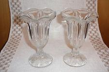 2 Dekorative Eisbecher Eiskelche Glaskelche Glas Dessertkelche schönes Design