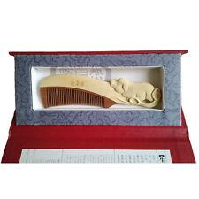 Peigne en bois sculpté, signe zodiaque chinois ¨cochon¨, en coffret