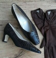 Ladies Vintage 1980s Brown Leather Shoes size 4 in unworn condition