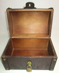 Old Vintage Dome Top SMALL English Trunk Box Leather Wood Aimez Verite Crest