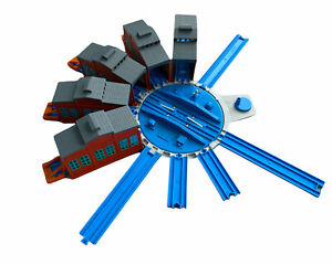 Tomy Thomas The Tank Engine Trackmaster Turntable And Engine Sheds With Buffers