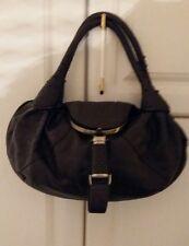 Damenhandtasche,braun,mit vielen Raffinessen wie Geldbörse und Feuerzeugfach