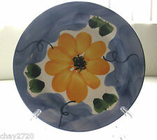 PRE-OWNED MADE IN PORTUGAL HAND-PAINTED POTTERY FLORAL SALAD PLATE