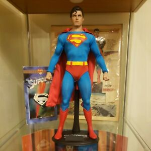 SUPERMAN REEVES HOT TOYS MMS152 SIXTH SCALE 1:6 (NO BOX NO ACCESSORIES)