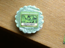 """YANKEE CANDLE RETIRED USA EXCLUSIVE  """"  MINT  """"  WAX TART MELT"""