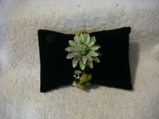 Hand Crafted Fashion bracelet flower green leather