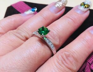 5mm round emerald DIAM0ND with collar ring size P 8
