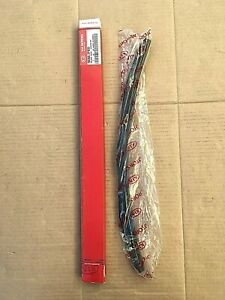 Kia Sorento LH Wiper Blade - 983602P920 **Genuine New Sealed Kia OEM Part**