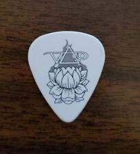 Steve Via Guitar Pick (White Lotus)