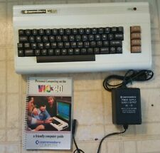 Vintage EARLY Commodore VIC 20 Canadian issue - WORKING