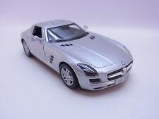 LOT 28696 | Kinsmart Mercedes Benz SLS AMG Modellauto silber m. Antrieb 1:36 Neu
