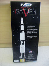 Estes Apollo 11 SATURN V flying model rocket kit 1/100